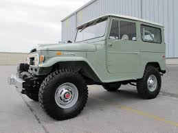 toyota cruiser lifted toyota land cruiser fj40 1970 4 4 rare clean frame off restoration