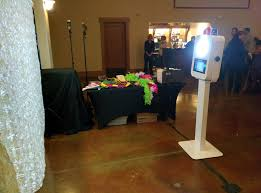 photo booth setup party and event dj salem portland eugene djs in oregon apogee