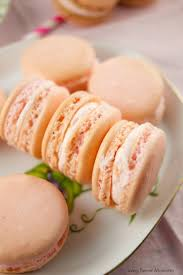 crazy good strawberry macarons living sweet moments