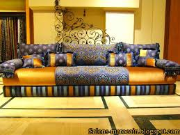 tissu pour canapé marocain décoration de salon marocain le salon marocain traditionnel