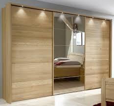 Schlafzimmer Spiegel Mit Beleuchtung Kleiderschrank In Eiche Mit Spiegel Und Schwebetüren Quebo