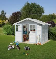 chalet a monter soi meme abri de jardin en résine equipement de jardin le jardin de