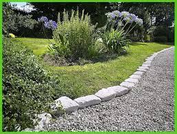 garden rock border