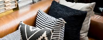 entretien canapé cuir buffle comment entretenir et nettoyer un salon en cuir les tâches n ont