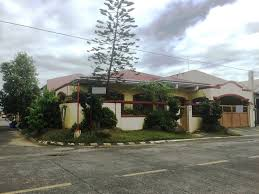 center lot bungalow house in bf homes well maintained