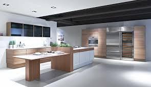cuisine contemporaine cuisine contemporaine en plaqué bois en bois avec îlot