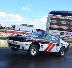 Dodge Challenger Drag Pack - ready to launch dodge strike force blasts the competition at