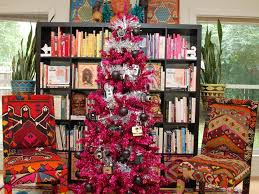 Decorated Christmas Tree Themes by 10 Totally Outrageous Retro Christmas Trees Diy