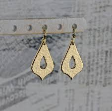 gold teardrop earrings as seen on cedar cove delicate gold bronze fancy teardrop