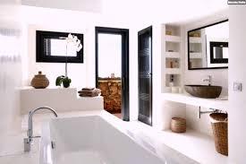 mediterrane einrichtungsideen luxus badezimmer einrichtung holz braun weiß mediterran stil