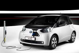 toyota hybrid cars toyota says low range electric cars are cheaper to build than hybrids