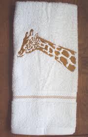 Safari Bathroom Ideas Best 25 Safari Bathroom Ideas On Pinterest Cheetah Print Decor
