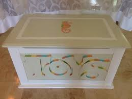 How Do You Make A Wooden Toy Chest by Best 25 Painted Toy Chest Ideas On Pinterest Wood Toy Chest
