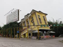 file upside down house at foreigners street chongqing jpg file upside down house at foreigners street chongqing jpg
