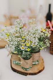 Rustic Table Centerpiece Ideas by Best 25 Daisy Wedding Centerpieces Ideas On Pinterest Daisy