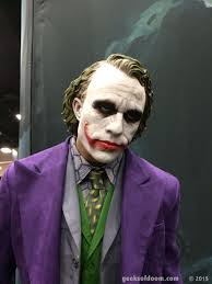 Heath Ledger Joker Halloween Costume Sdcc 2015 Preview Night Heath Ledger Joker Statue 02