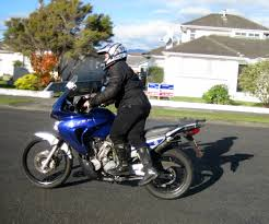 sport bike motorcycle boots how to ride a tall motorbike if you are short 6 steps with