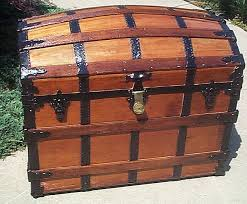beautiful travel trunks expert photographic history and examples of antique steamer trunks