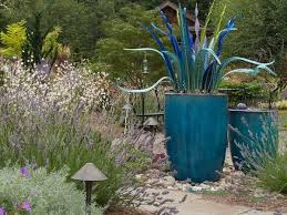 Garden Containers Ideas - design ideas for gardening containers and flower pots