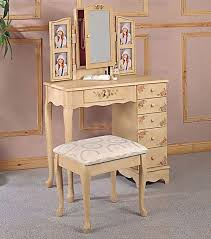 Ivory Painted Bedroom Furniture by Ivory Hand Painted Vanity Set Bedroom Vanities