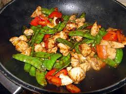 cuisiner les pois mange tout recette de sauté de poulet pois mangetout et noix de cajou