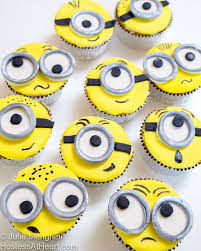 minion cupcakes how to make minion cupcakes hostess at heart