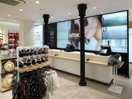 pimkie siege pimkie dévoile la fashion factory nouveau concept de magasin