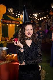 bailee madison as grace nightingale on good witch halloween