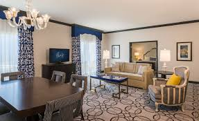 Parisian Living Room by Ooh La La Paris Las Vegas Hotel Rooms Get A Snazzy Makeover