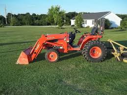 kubota b7800 4x4 with loader 204 hours on popscreen