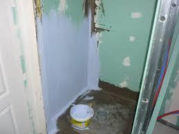 salle de bain italienne petite surface italienne pose des bandes d u0027étanchéité lux éléments et