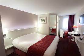 chambre le mans chambre supérieure chambre hotel le mans hotel pas cher sarthe