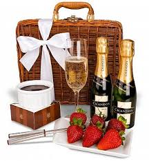 awesome gift baskets wow this is an awesome gift for 50 00 chagne and fondue