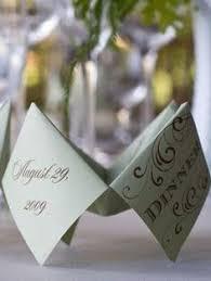 id e menu mariage idée de présentation de menu origami en papier pour mariage