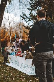 class of preschoolers help with a surprise marriage proposal for lauren guffey photography