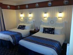 chambre disneyland chambre lit picture of disney s newport bay chessy