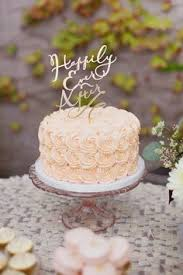 the knot your personal wedding planner wedding cake display