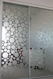 glass mirror closet doors frost the glass on mirrored closet doors projects and creations