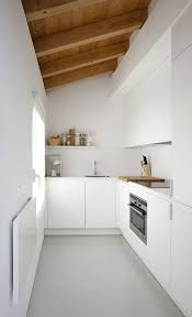 Design For Small Kitchen Spaces Best 25 Small White Kitchens Ideas On Pinterest Small Kitchens