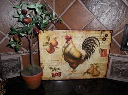 Wall Decor For Kitchen by How To Accentuate Your Kitchen Wall With French Country Kitchen