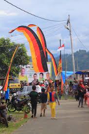 Flag Of Indonesia Image Vertical Flag Of West Sumatra U0027marawa Minang U0027 With Flag Of