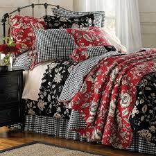 Duvet And Quilt Difference Best 25 Black Bedding Ideas On Pinterest Black Bedroom Decor