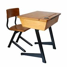 bureau pupitre enfant bureau enfant rotin la marelle mobilier vintage pour enfants