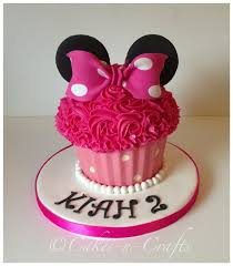 Red Minnie Mouse Cake Decorations 101 Adorable Smash Cake Ideas Giant Cupcakes Minnie Mouse And Mice