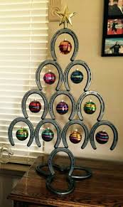 10 things you can make with horseshoes diy projects for everyone horseshoe christmas tree