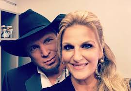 trisha yearwood s tricky thanksgiving with garth