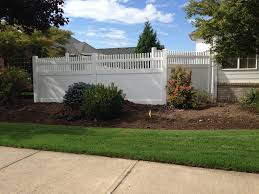 go maintenance free with vinyl fences