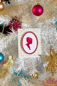 how to make a traditional silhouette christmas ornament how tos