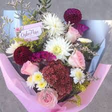 ordering flowers the convenience of ordering flowers online completely elegal