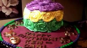 mardi gra cake mardi gras birthday cake rosettes jak dekorowac tort